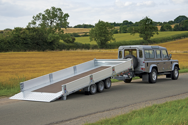 CarGO Tiltbed - Full width, high grip steel tail for easy loading.